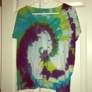 Tie-dyed V-neck T-shirt